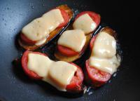 Горячие бутерброды из баклажанов с сыром