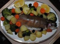 Форель запеченная с овощами - фоторецепт
