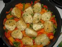 Рыбные кнедлики с овощами