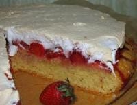 Клубничный торт с меренгой
