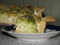 Пирог с брокколи и брынзой