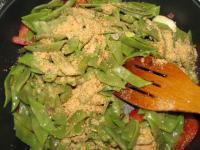 Зеленая фасоль с орехами