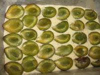 Ореховый пирог с фруктами