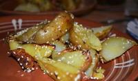 Картошка запеченая с кунжутом