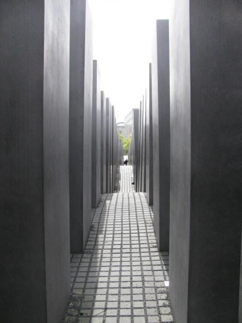 Лабиринты памятника жертвам холокоста