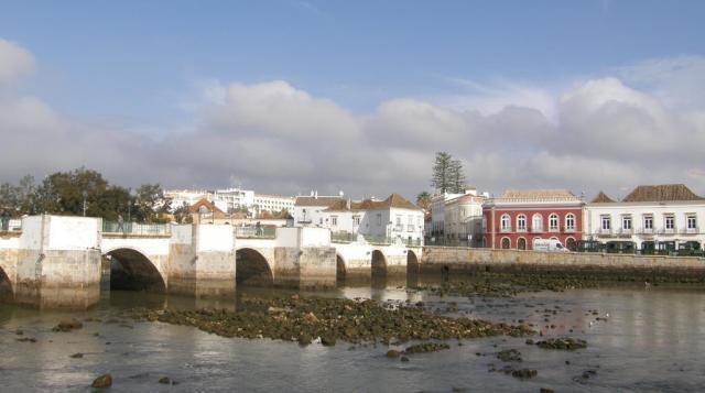 Португалия. Тавира. Мост.