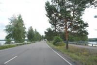 Дорога в озерном краю