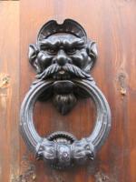 Дверная ручка. Центр Рима.