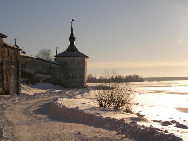 Кириллов. Кирилло-Белозерский монастырь. Свиточная башня.