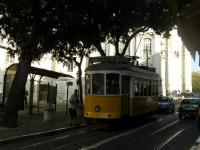 Португалия, Лиссабон. Трамвай(чик?).
