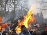 Сожжение чучела зимы. Павловск.